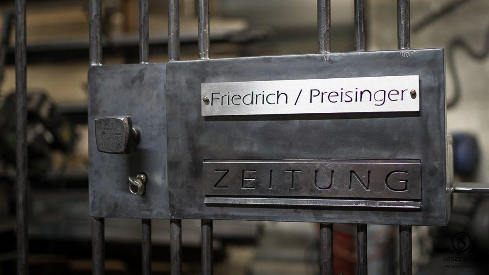 17_Gitter_Tuer_Glas_Freising_Kunstschmiede_Eisen